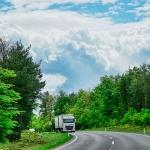 transportar mercancías por carretera
